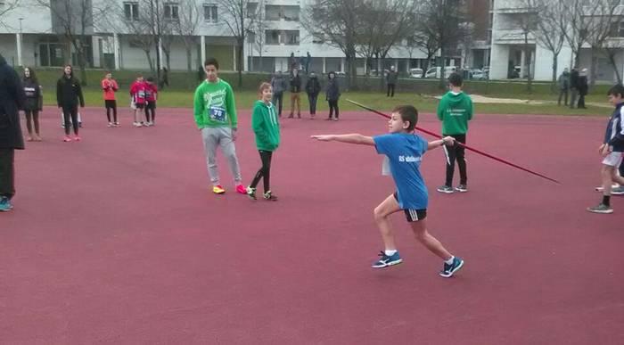Atletismoko udalekuak bertan behera uztea erabaki du Hernaniko taldeak