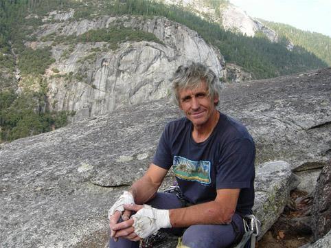 «Everesteko igoera hartu zen gure herri eta nortasunaren sinbolo bezala»