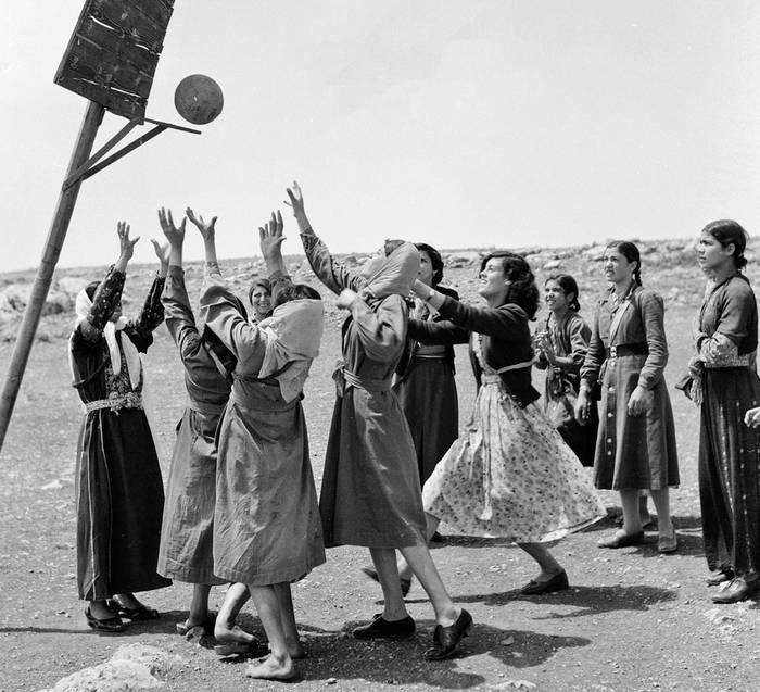 Argazki erakusketa gaurtik, emakume palestinarrei buruz