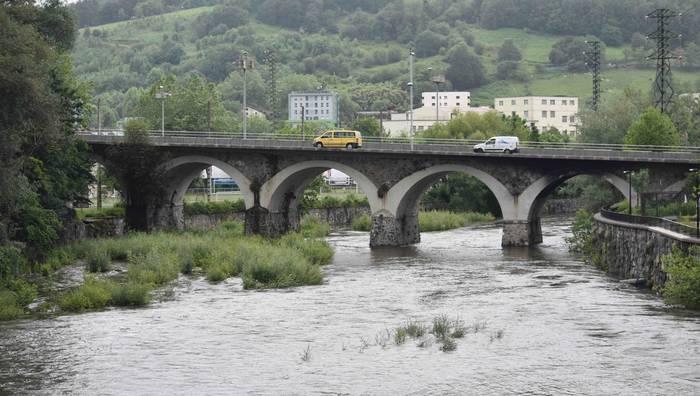 Metro karratuko 95 litro jaso ondoren, hustutze lanak Añarbek